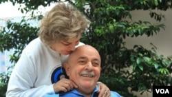 Lula da Silva y la ex primera dama de Brasil, Marisa Leticia, poco después del diagnóstico del ex mandatario.
