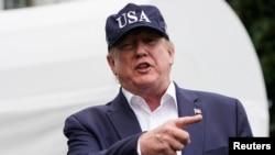 امریکی صدر کے بقول ڈیمو کریٹک ارکان مجھے روکنا چاہتے ہیں کیوں کہ میں عوام کے لیے لڑ رہا ہوں لیکن اس میں اُنہیں کامیابی نہیں ملے گی — فائل فوٹو