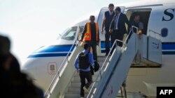 Husi delegasyonu Kuveyt tarafından sağlanan uçakla İsveç'e gitti