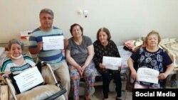 سالمندان حاضر در آسایشگاه بهائیان کرج خواستار توقف آزار و تلاش برای بستن این محل شدند.