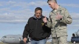 El secretario de defensa Leon Panetta firmó la orden durante su viaje de regreso de Afganistán con rumbo a Turquía.
