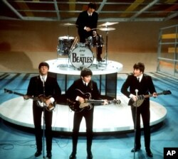 """Yeniyetməlik dövrü 60-cı illərə təsadüf edən adamların qəlbində """"The Beatles"""" qrupu xüsusi yer alıb."""