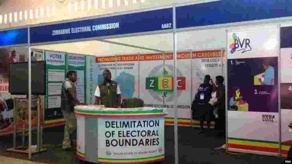 IZimbabwe Electoral Commission layo isembukisweni weZITF.