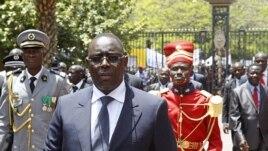 Le président Sall arrive au palais présidentiel de Dakar après son investiture, le 2 avril 2012