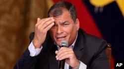 """""""Le vamos a dejar al próximo Gobierno una economía en crecimiento y estabilizada"""", dijo el presidente Rafael Correa, quien saldrá del cargo el 24 de mayo tras una década en el poder."""