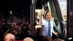 Hasta el último momento los candidatos no dejan de hacer campaña para lograr los votos necesarios para declarar victoria en Florida.