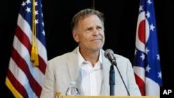 Ông Fred Warmbier, cha của sinh viên Mỹ Otto Warmbier, phát biểu tại buổi họp báo ngày 15/6/2017.