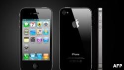 Khách hàng nào mua loại máy điện thoại di động iPhone 4 mới nhất có thể giải quyết trở ngại mất sóng của máy bằng bao máy do công ty cung cấp