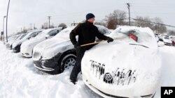 Forte tempestade de neve chega aos EUA