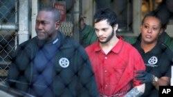 Santiago fue acusado formalmente de once cargos por causar muerte y lesiones personales en un aeropuerto internacional, cinco por causar la muerte durante un delito violento y seis más por usar un arma de fuego durante el episodio.