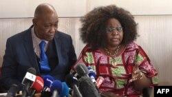Les parents de Naomi Musenga, décédée fin décembre 2017 après avoir été ridiculisée par un opérateur téléphonique du service d'urgence Samu de Strasbourg, France, 10 mai 2018.