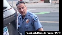 Derek Chauvin viu acusação agravada
