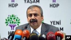 15 Temmuz 2015 - Ankara, Türkiye - HDP Eski Milletvekili Sırrı Süreyya Önder