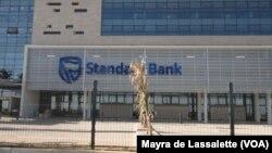 Edifício do Standard Bank, cidade de Maputo, capital de Moçambique.