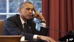 امريکائي صدر براک اوباما روسي صدر ولاديمير پيوټن ته خبردارى ورکړى چې که چرې روس يوکرين کې خپل جارحانه گامونه( چې پکې پوځونه ليږل، وسله ورکول اؤ دبيلتون خوښو مالي مرسته شامل دي) دوامداره وساتي نو ورته به ددې نتيجې زغمل وي.