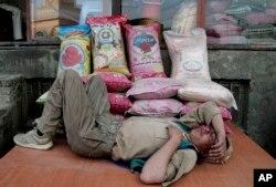 Chính phủ Afghanistan thừa nhận tính chất nghiêm trọng của vấn đề thất nghiệp tại nước này.