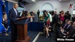 Horas antes de entrar en vigor el cierre el pasado martes, Obama hizo declaraciones a la prensa en la Casa Blanca.
