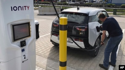Race On To Set Up Europe S Electric Car Charging Network