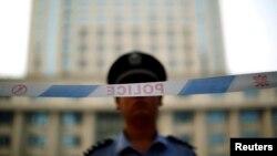 Chính quyền của Chủ tịch Tập Cận Bình đã siết chặtkiểm soát hầu như tất cả các lãnh vực của xã hội dân sự kể từ năm 2012, viện cớ cần để giữ gìn an ninh quốc gia và ổn định.