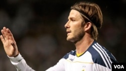 David Beckham akan tetap bermain untuk LA Galaxy setelah ia memperbarui kontrak sebesar 6.5 juta dolar per tahun (foto:dok).