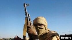 un rebelle touareg du MNLA