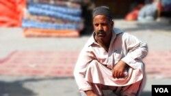 خان بہادر کہتے ہیں کہ سردیاں آتی ہیں تو لوگوں کو ان کی یاد بھی آتی ہے۔