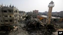 被以色列空袭摧毁的清真寺废墟
