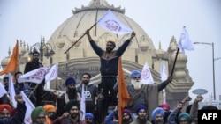 مذکورہ قوانین کے خلاف کسانوں کااحتجاج 48 روز سے جاری ہے۔