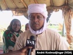 Boulaman Hassan Azzene Abdoulaye, chef de zone des éleveurs nomades installés dans la commune du 9e arrondissement municipal de N'Djamena, le 2 septembre 2017. (VOA/André Kodmadjingar)