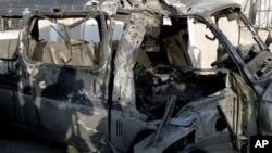 7일 다마스쿠스 폭격으로 훼손된 차량. (자료사진)
