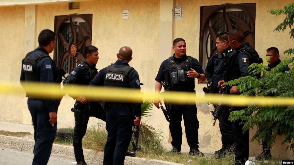 11 bodies in a house mexico ile ilgili görsel sonucu