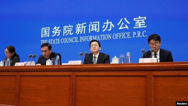 Las autoridades de salud pública de China explicaron en una conferencia de prensa el 22 de enero de 2020 lo que saben sobre el virus.