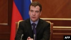 Dmitri Medvedev:Kabinet nazirləri Direktorların Korporativ Şurasındakı yerləri boşaltmalıdır