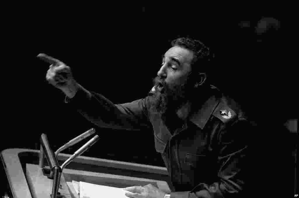 12 Tetor, 1979. Fidel Kastro, në atë kohë president i Kubës, gjatë një fjalimi në Asamblenë e Përgjithshme të Kombeve të Bashkuara.