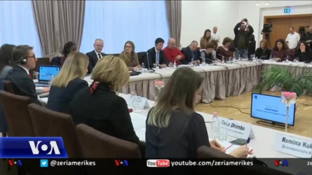 Tiranë: Mosbesimi i qytetarëve te drejtësia dhe politika