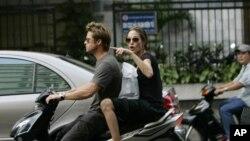 Lần đầu, hai vợ chồng nhà Pitt có kỳ nghỉ ở Việt Nam là vào năm 2006