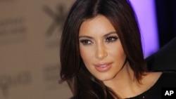 Sao truyền hình Kim Kardashian.