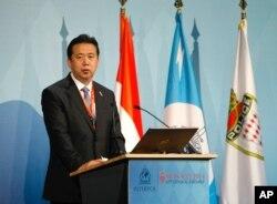 中华人民共和国公安部副部长孟宏伟2014年11月4日在摩纳哥举行的第83届国际刑警组织大会上致辞。
