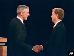 Lloyd Bentsen, left, and Dan Qualye at 1988 vice presidential debate.