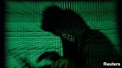 黑客发动恶意软件网络袭击示意图