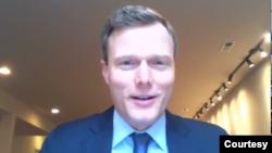 前五角大樓和中央情報局戰略安全專家克羅尼(Mathew Kroenig)(傳統基金會2020年5月5日視頻截圖)