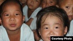 황해남도 해주에서 덴마크 구호단체 미션 이스트의 영양 지원을 받는 고아원 어린이들. 사진=미션 이스트 제공