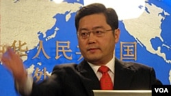 Juru Bicara Deplu China Qin Gang (foto: dok). Beijing menyerukan kerjasama lebih banyak dalam kegiatan anti teror pasca serangan di Lapangan Tiananmen.