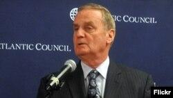 Penzionsiani general Džejms Džons, predsedavajući Borda Atlantskog saveta