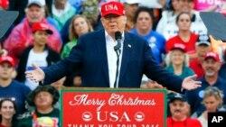 """El presidente electo dijo que estos terroristas y sus redes regionales y globales """"deben ser erradicadas de la faz de la Tierra""""."""