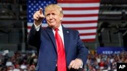 Tổng thống Trump trong cuộc vận động ở North Carolina.