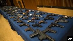 纽约警局罗列出近100种非法枪支(资料照片)