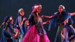 ایرانیان لس آنجلس درجشن باشکوهی با رقص و پایکوبی به همراه هنرمندان محبوب موسیقی پاپ ایرانی به پیشواز نوروز رفتند