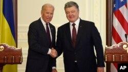 Джо Байден и Петр Порошенко. Киев, Украина. 16 января 2017 г.