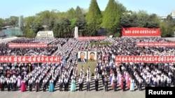 지난 1일 북한 노동절인 '5.1절'을 맞아 남흥청년화학연합기업소에서 중앙보고대회가 열렸다고, 관영 조선중앙통신이 보도했다.